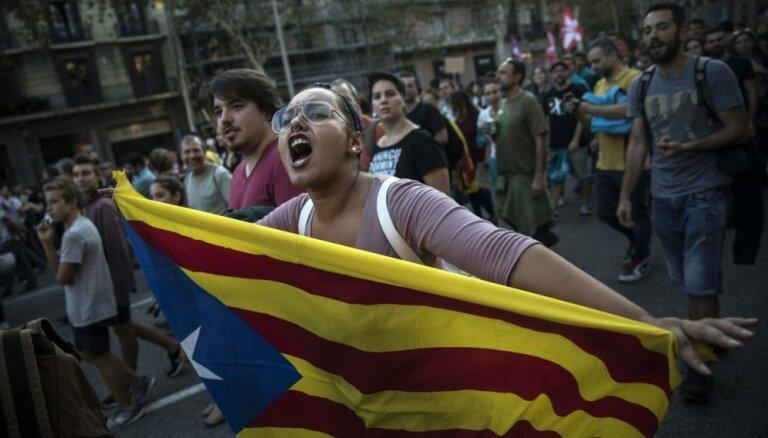 В Каталонии прошли многотысячные выступления за независимость от Испании