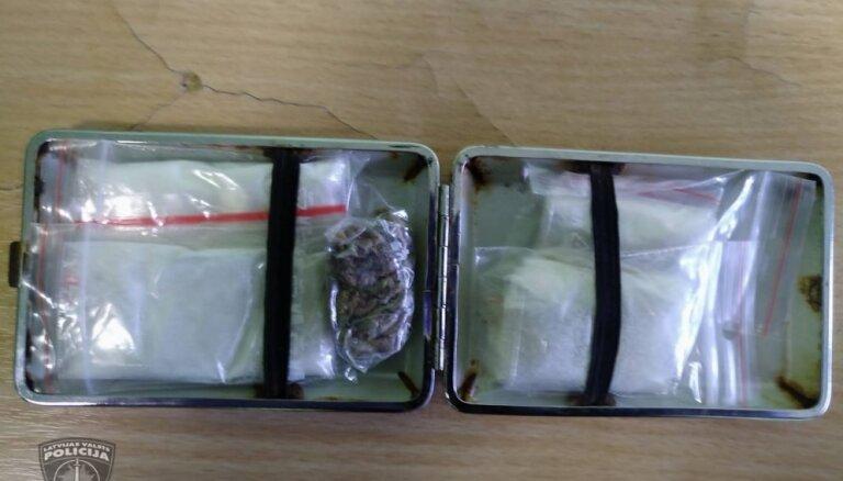 Rīgā narkotiku tirgonis izveido bezkontakta tirdzniecības shēmu