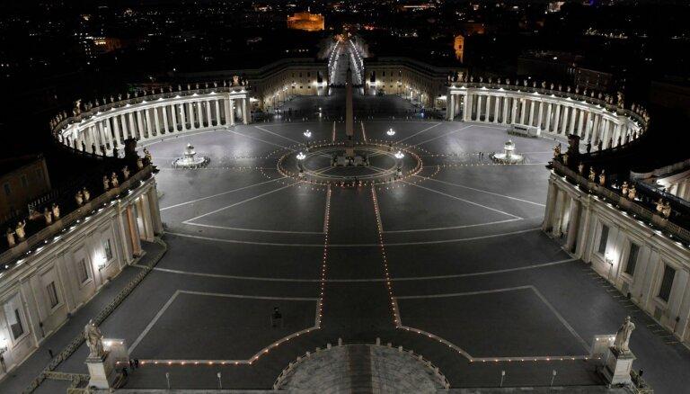 Vatikāna tiesnesis apsūdz kardinālu un deviņas citas personas finanšu noziegumos