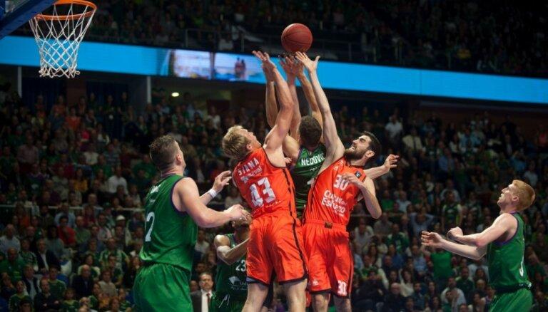 'Unicaja' basketbolisti uzvar 'Valencia Basket' un panāk izšķirošo spēli ULEB Eiropas kausa finālā