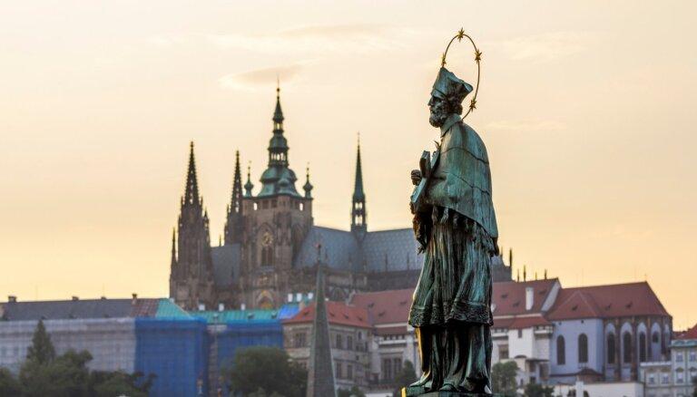 Путешественники из Чехии и Монако должны будут уйти в самоизоляцию