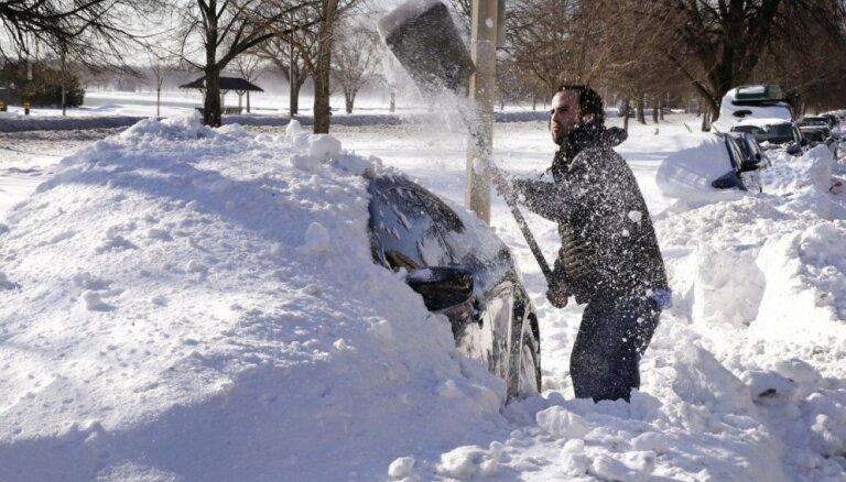 Ночью по всей Латвии будут снегопады, местами похолодает до -15 градусов