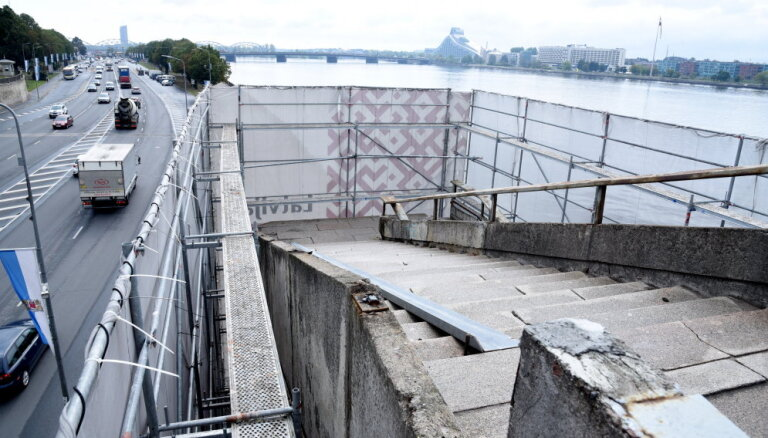 Смета на ремонт лестниц Вантового моста выросла до 170 000 евро