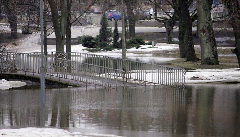 Jelgava un Pļaviņas jau gatavojas iespējamiem plūdiem