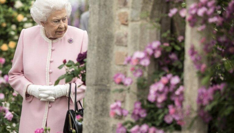 Britu karaļnams meklē sociālo mediju dienesta vadītāju karalienei