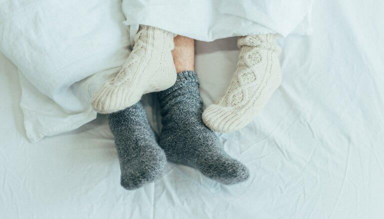 Pozas un ieteikumi mīlas priekiem aukstā laikā