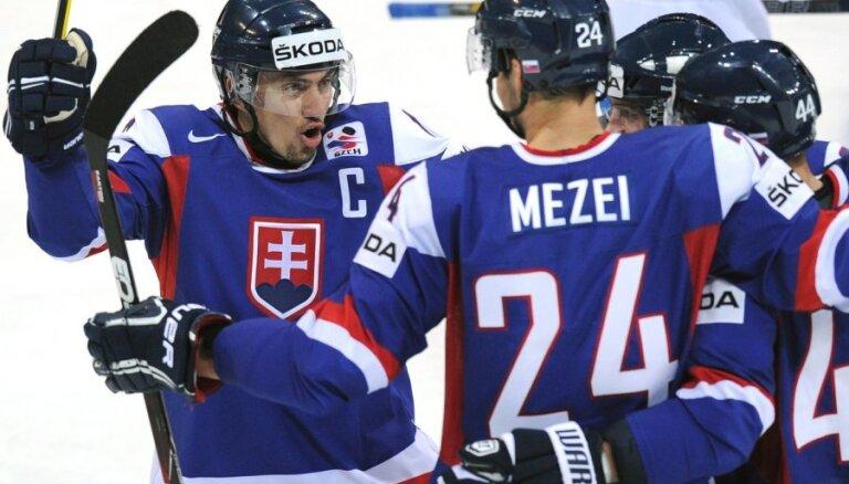 Slovākija sagādā Znaroka vadītajai izlasei pirmo zaudējumu