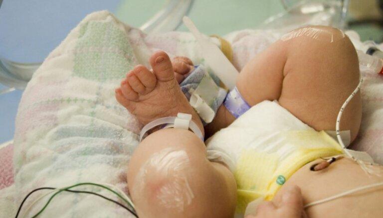 Jelgavas pašvaldība piešķir 2000 latu Stradiņa slimnīcā dzimušajām trīnītēm