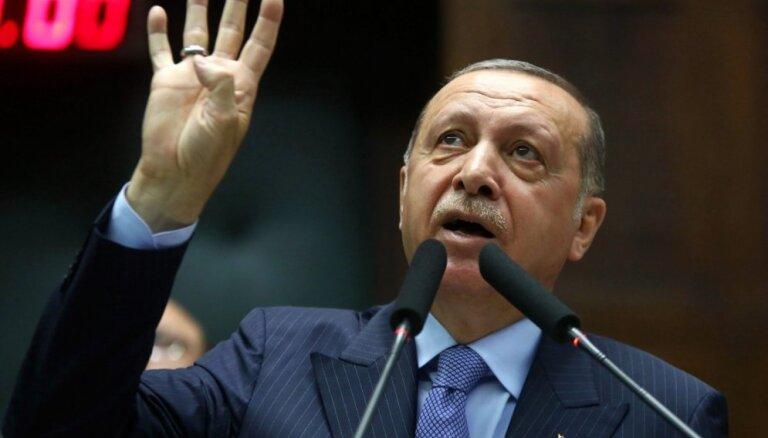 Turcijas opozīcija aicina atlikt Erdogana inaugurāciju