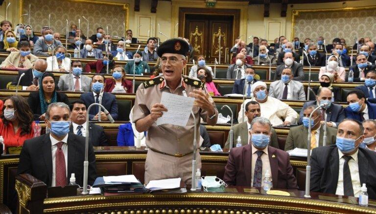 Ēģipte uz Lībiju sūta karaspēku