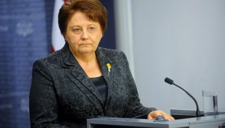 Страуюма: министрам не следует участвовать в шествии 16 марта