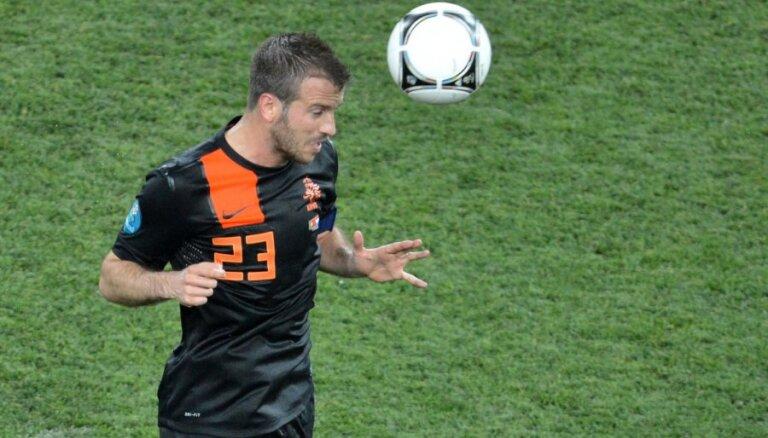 Van der Vārts gatavs algas samazinājumam HSV rindās