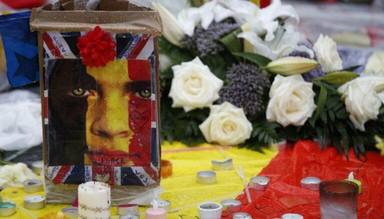 Число погибших в Брюсселе продолжает расти: среди жертв студенты, еврочиновники, учительница мусульманской школы