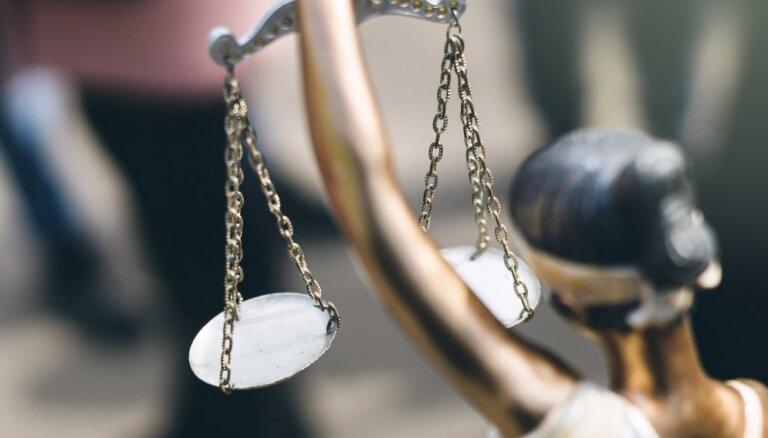"Гея-андрогина и участника ""Евровидения"" от интернет-троллей защитят более 40 адвокатов"