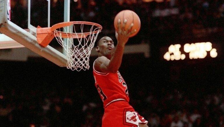 Баскетбольная майка Майкла Джордана продана на аукционе за $1,38 млн