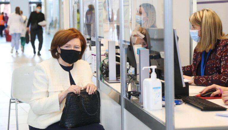 ФОТО: Вике-Фрейберга получила вторую дозу вакцины AstraZeneca
