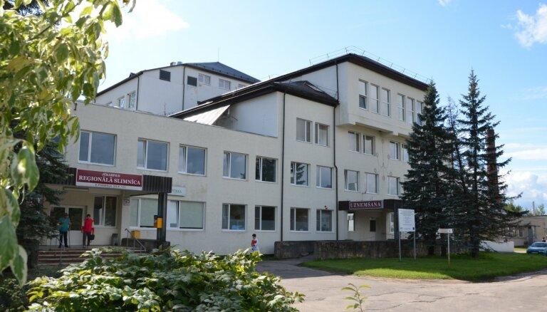 Gadu pēc iecelšanas no amata atsaukts Jēkabpils reģionālās slimnīcas vadītājs