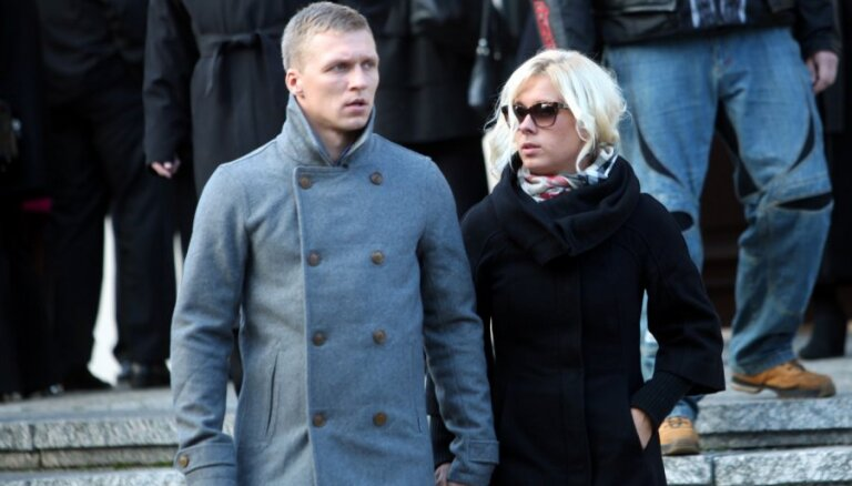 Pavedināti un apkaunoti: Kā nešpetni mīlnieki izmantojuši Latvijas zvaigznes