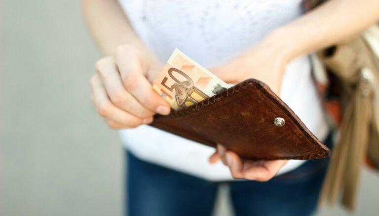 С сентября минимальная зарплата учителей увеличится до 710 евро