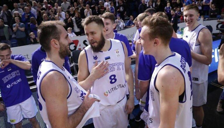 Igaunijas basketbolisti PK kvalifikācijas mačā negaidīti apspēlē titulēto Serbiju