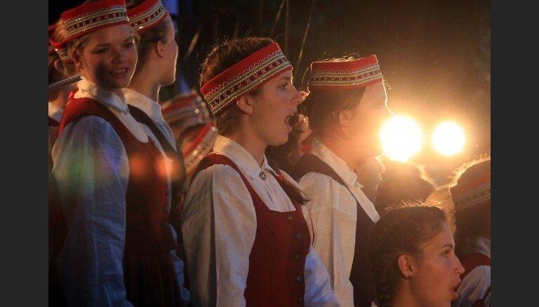 Latvijas himnas 'pareizā' atskaņošana, krīze un bēgļi – kas nonāk zem LZA konsīlija lupas