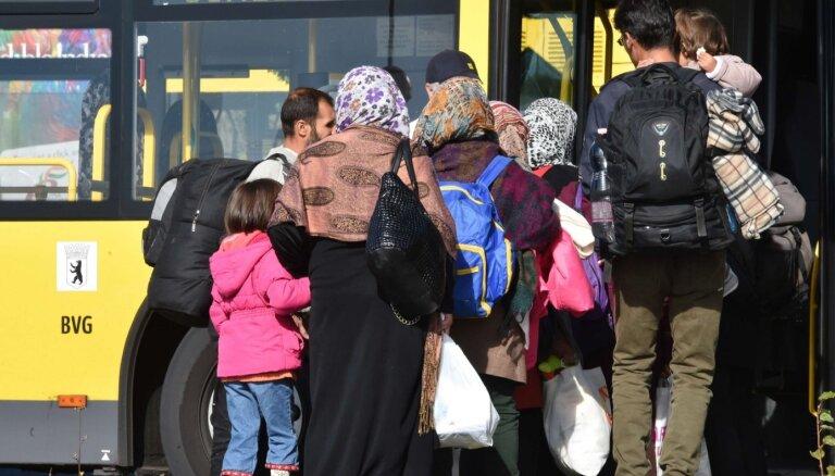Тысячи просителей убежища вновь вернулись в Германию после депортации