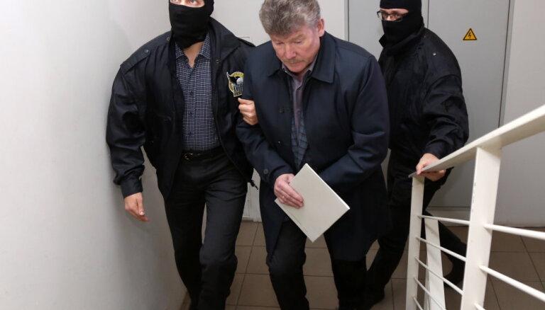 Visi seši 'Rīgas satiksmes' iepirkumu lietā apcietinātie pārsūdzējuši piemērotos drošības līdzekļus