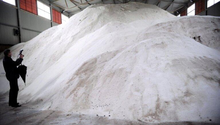 'Nekā personīga': VID kukuļošanas mēģinājums saistīts ar tehniskā sāls iepirkumu