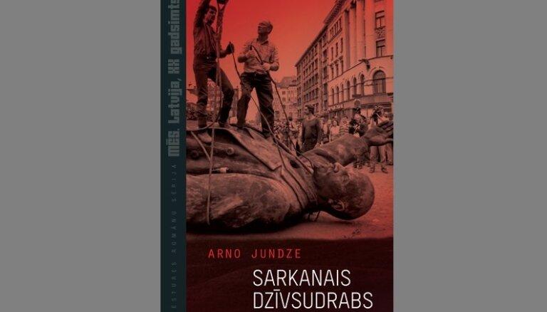 Vēstures romānu sērijā klajā laists Arno Jundzes 'Sarkanais dzīvsudrabs'