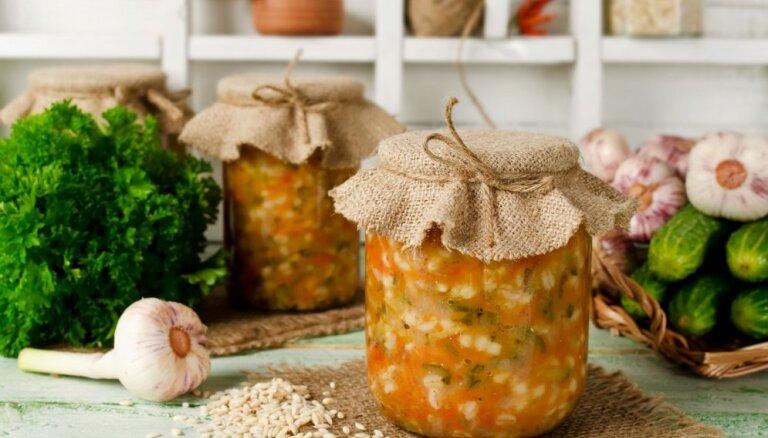Borščs, rasoļņiks, harčo un citu zupu sagataves: receptes ziemas krājumiem