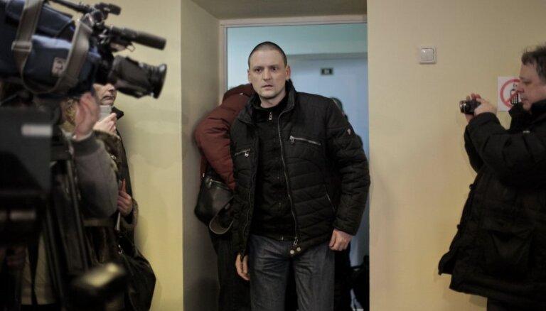 Правозащитники: Навальный и Удальцов — узники совести
