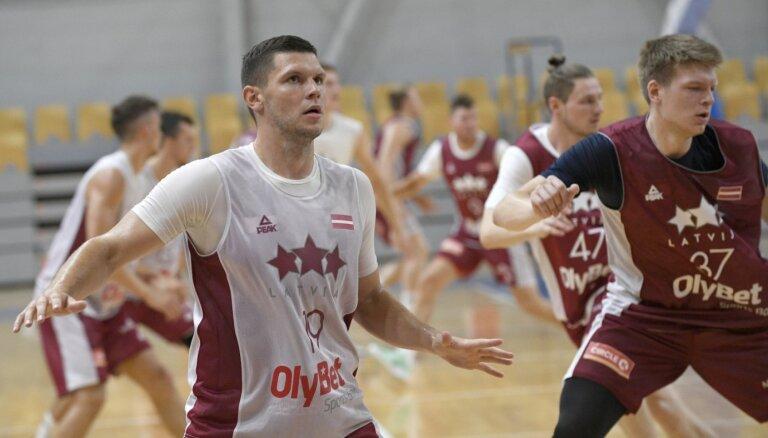 Latvijas vīriešu basketbola izlase pārbaudes spēlē pārspēj Šveici