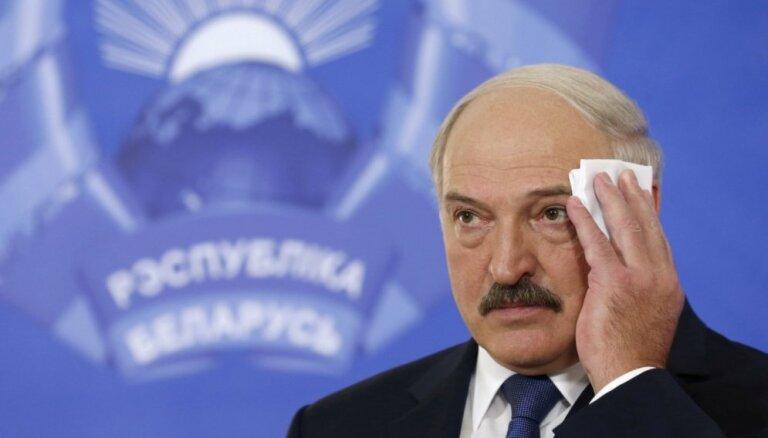 Lukašenko Baltkrievijas hokejistus nosaucis par krāmiem