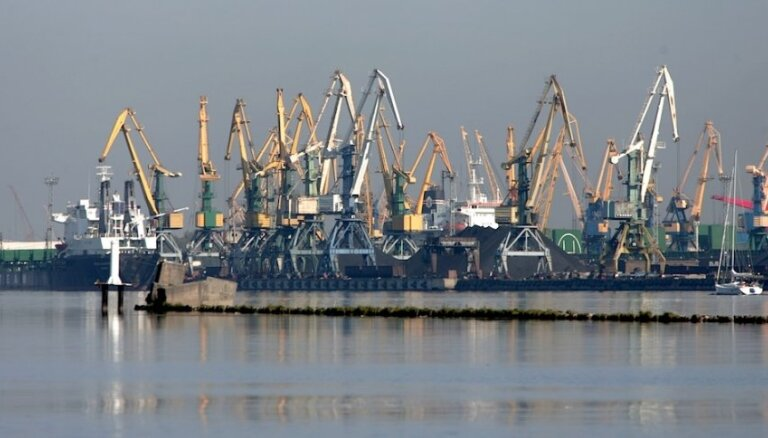 Divu gadu laikā Rīgas centrā pārtrauks akmeņogļu pārkraušanu