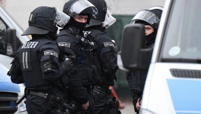 Германия: нападение с ножом на пассажиров автобуса, 14 пострадавших
