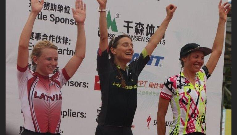 Lelde Ardava Ķīnā izcīna trešo vietu UCI kategorijas velokrosā