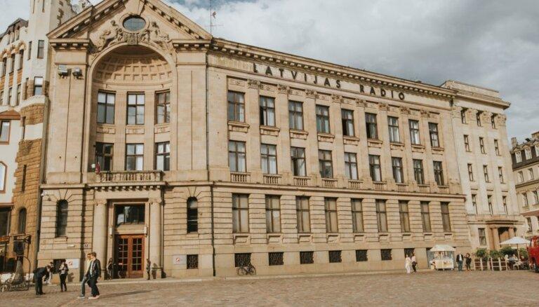 Latvijas Radio darbinieki neizpratnē par lēmumu prēmēt valdi