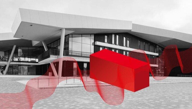 Koncertzāles 'Latvija' ieeju aizšķērsos konteiners ar kultūru
