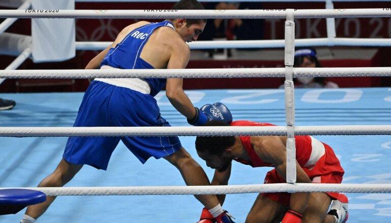 Россияне взяли золото в борьбе и боксе. Теперь они снова пятые в медальном зачете