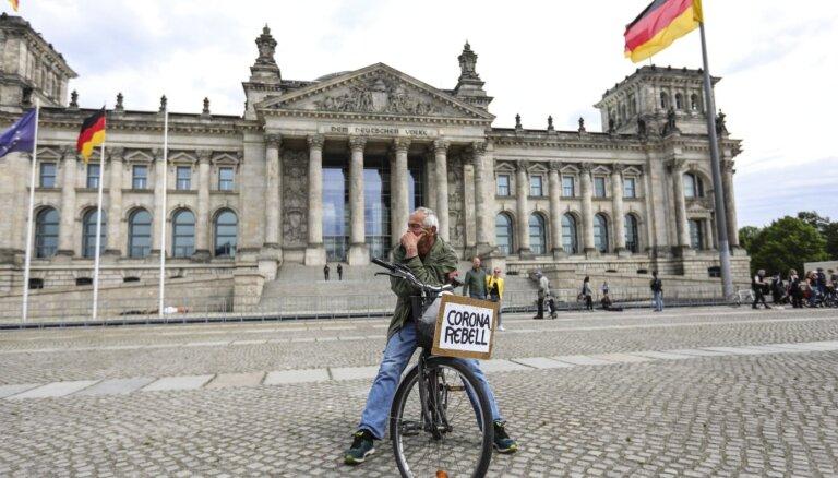 Коронавирус в Германии: в бой с Covid-19, не вставая с дивана