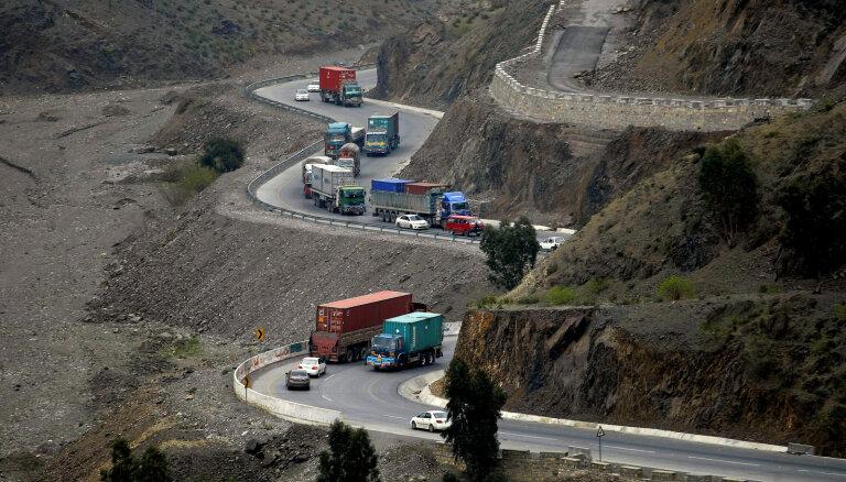 Pakistāna slēdz robežu ar Afganistānu