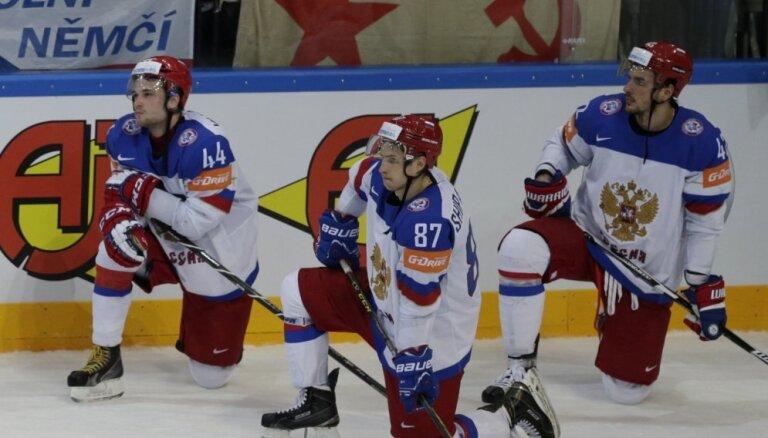 Krievijas Hokeja federācijai piespriež naudas sodu par incidentu PČ finālā