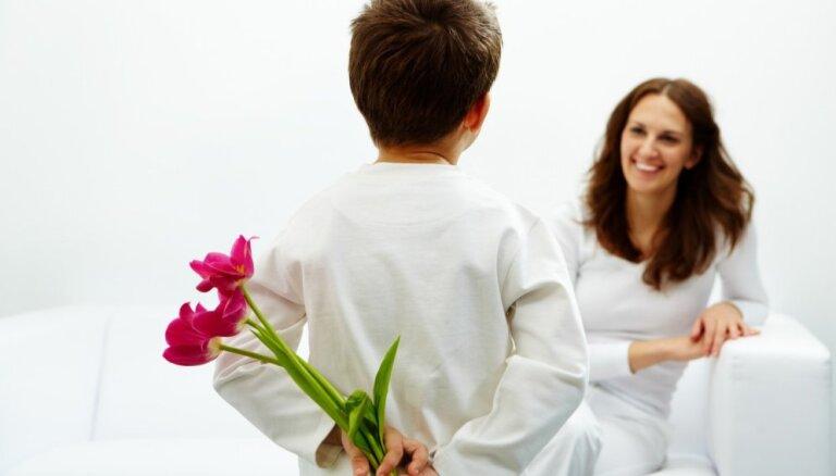 Aktuālākās ziedu izvēles dažādos gadu desmitos Mātes dienā