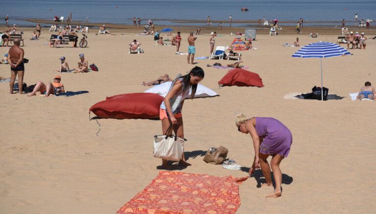Ūdens temperatūra Latvijas piekrastē no +12 līdz +26 grādiem