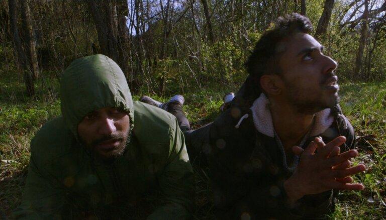 Pirmizrādi piedzīvos filma 'Valkātājs' par nelegālo imigrāciju
