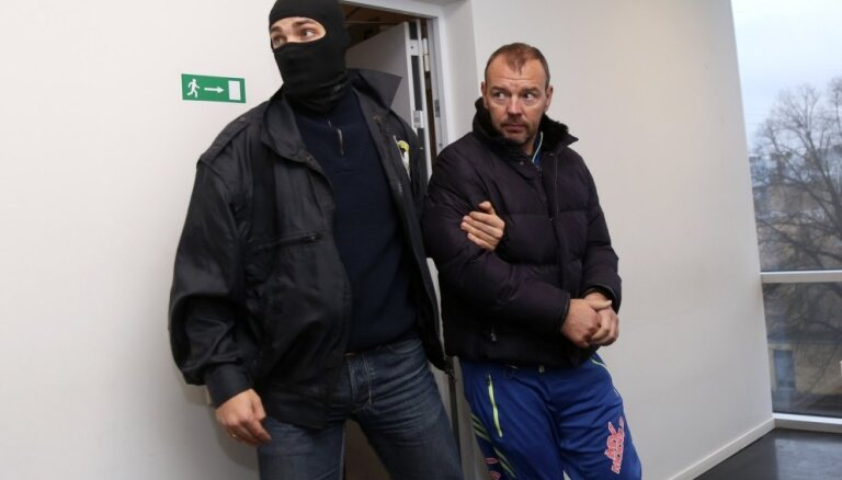 KNAB lūdz apcietināt aizturēto uzņēmēju Martinsonu