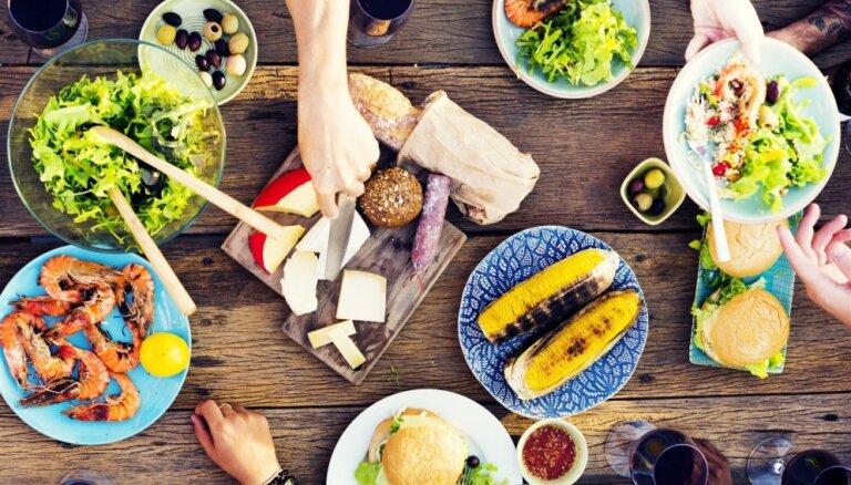 Kalorijas vari neskaitīt. Radīta jauna tievēšanas metode – kumosu skaitīšana