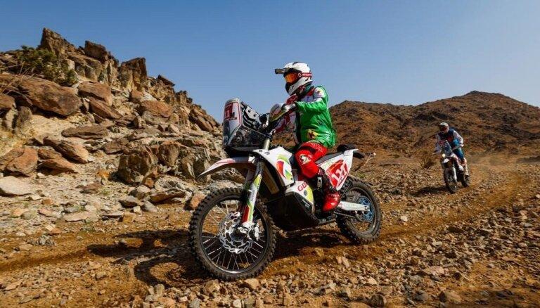 Dakaras rallijreida noslēgumu aizēno motociklista Šerpana nāve