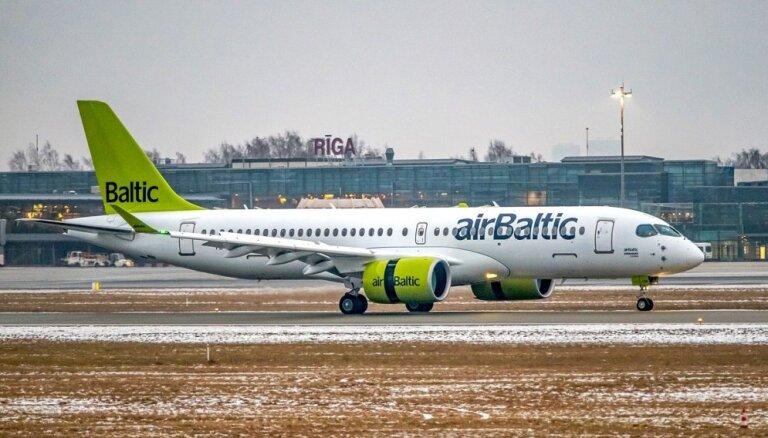 Foto: 'airBaltic' floti papildinājusi astotā CS300 lidmašīna
