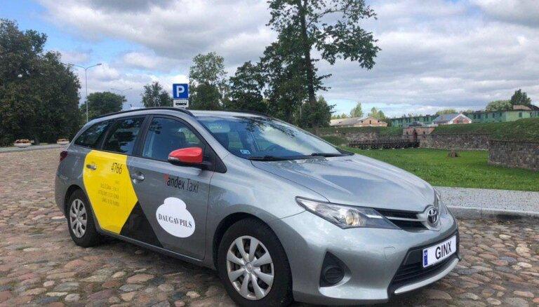 'Yandex.Taxi' apsver spert juridiskus soļus saistībā ar viltus ziņu izplatību